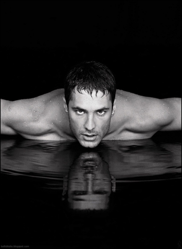 Raul Bova.  Don't know... don't care.  yum!