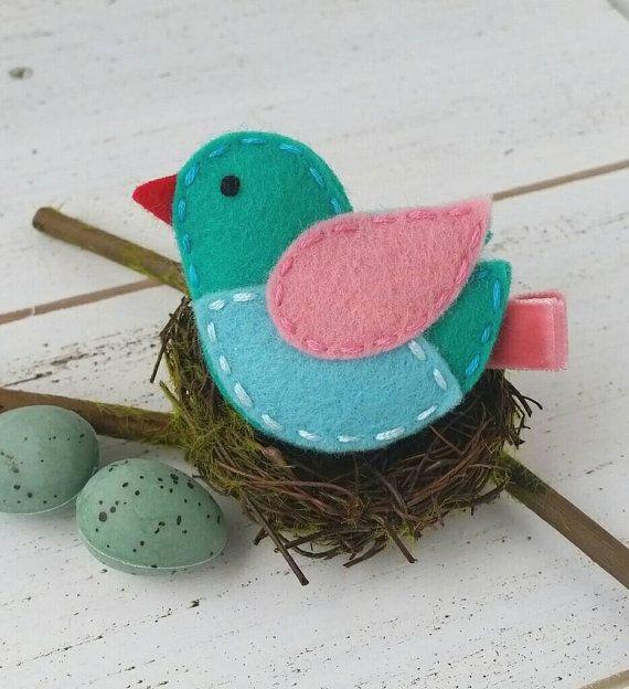 spring-bird-felt-alligator-clip-or-snap clip