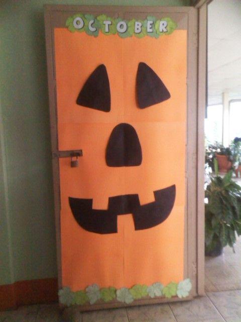 23 mejores im genes de folder decorados en pinterest for Imagenes puertas decoradas halloween