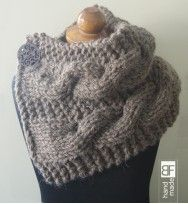 Knitting cowl