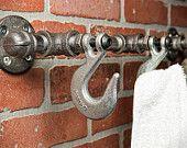 Abrigo industrial Rack - gancho de la pared - colgador para albornoz - decoración para el hogar - baño Decor - Decoración Industrial - rústico Casa Decor - sombrero gancho - envío gratis