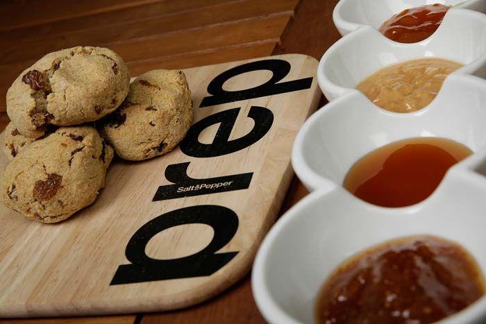 Γρήγορο ψωμί (Scone) με ξύσμα λεμονιού και βερύκοκα, συνταγές για χορτοφάγους χωρίς γλουτένη