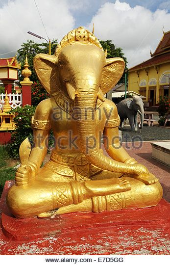 Golden Ganesh statue at Wat Dey Dos, Kampong Cham, Cambodia. The temple stands by the Mekong River. - Stock Image