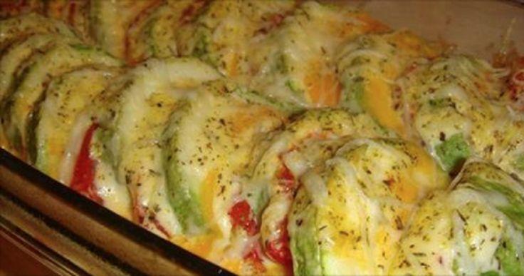 Dovlecei delicioși, gătiți la cuptor cu roșii și cașcaval! - Retete-Usoare.eu