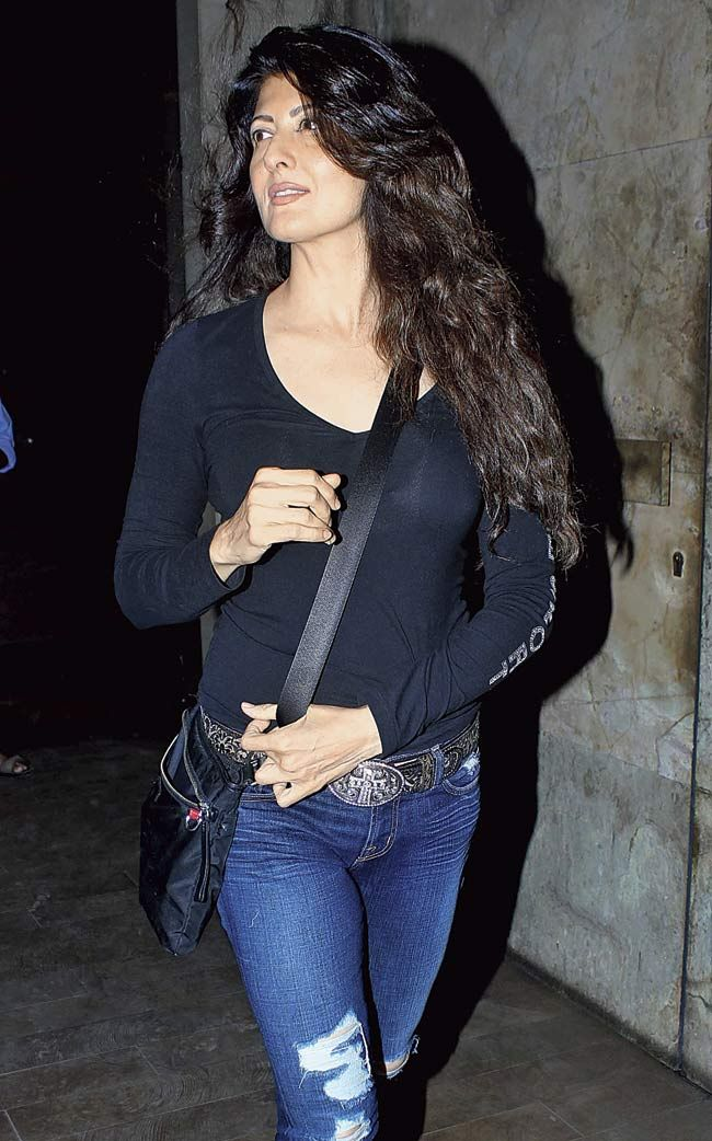 Sangeeta Bijlani looked fit and fab in a black top with jeans. #Style #Bollywood #Fashion #Beauty