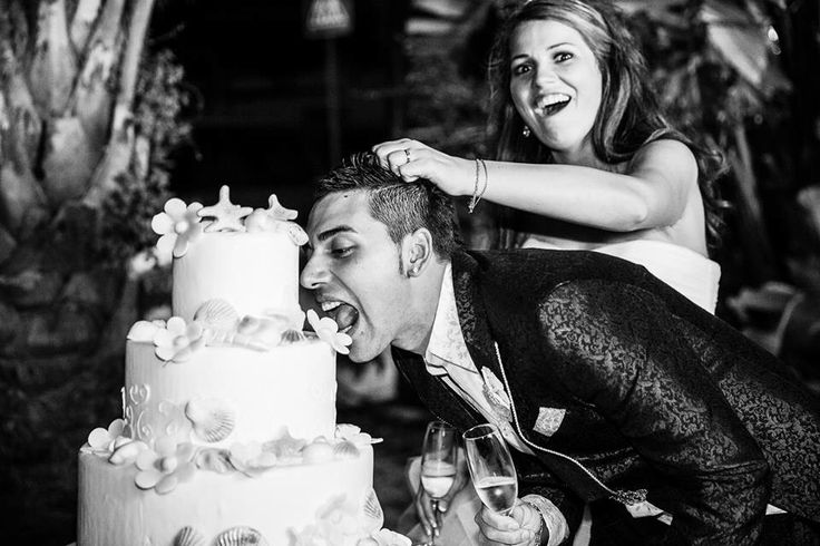 Www.fotozee.nl picture with wedding cake. Love it!