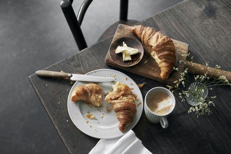 Nyhed! Få grå glæder til din hverdag med Pillivuyts nye moderne klassiker: Grå Plissé. Vil du vinde en fantastisk fransk madoplevelse og porcelæn til 8 personer? (klik Gå til)