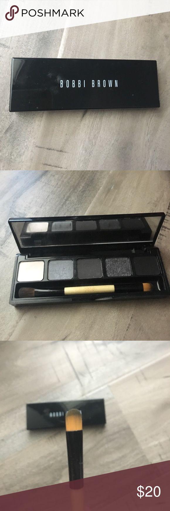 Bobbi brown eyeshadow set! Used this more for the brush than the eyeshadow!make me an offer! Bobbi Brown Makeup Eyeshadow
