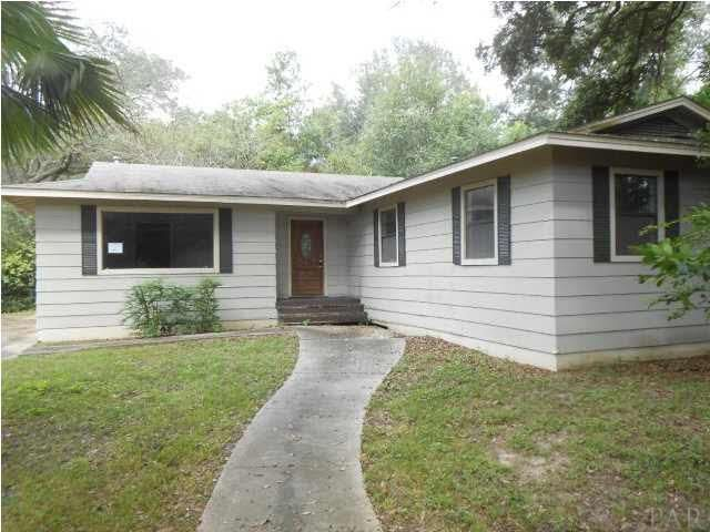 Under 75k for this 4/2 For Sale in Pensacola, Florida Makes