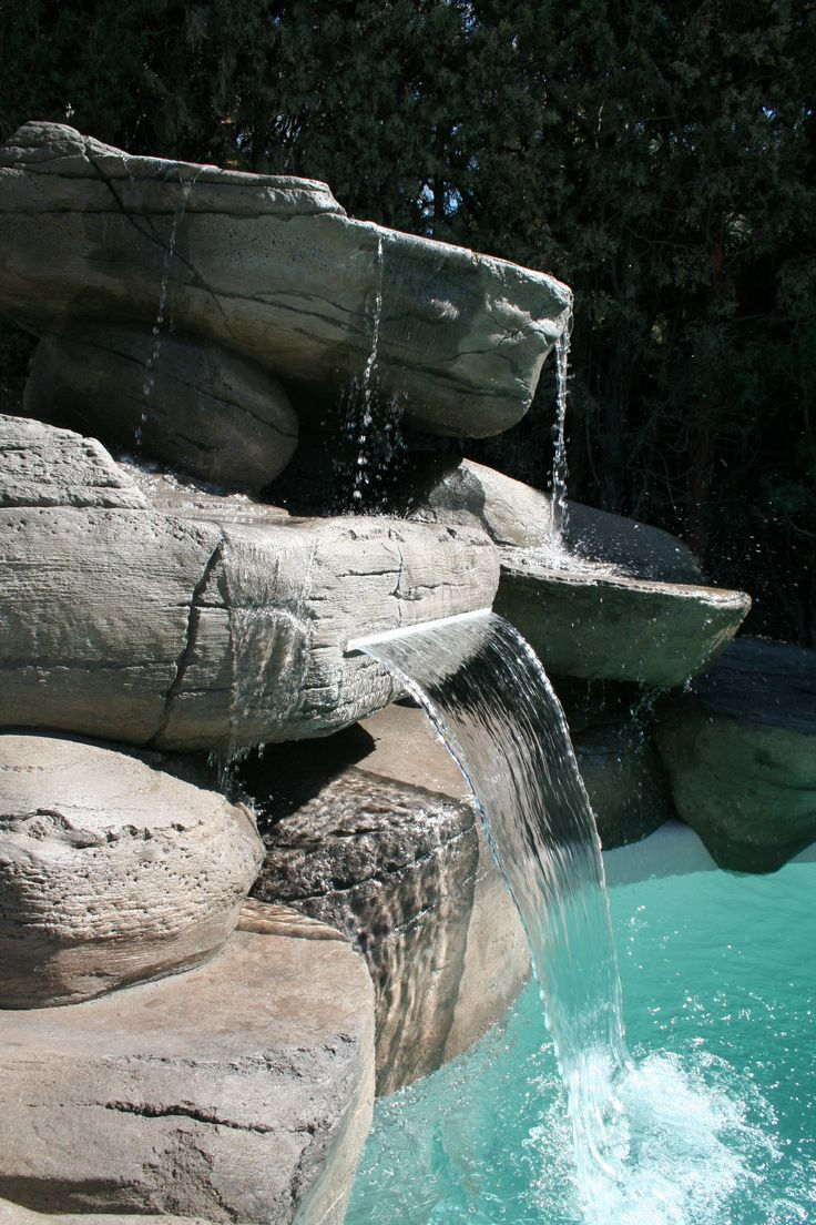 Detalle cascada hecha en ferrocemento piscina tipo playa - Piscina tipo playa ...