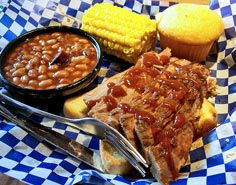 Who doesn't love BBQ? 8 Fun Barbecue menu ideas for an engagement party