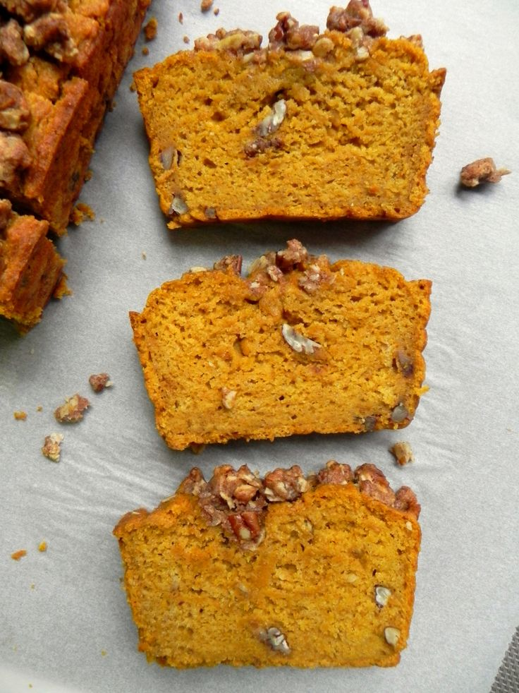 This #Healthy Pumpkin Bread with Maple Pecan Crumble is soft, fluffy, moist & perfectly spiced with nutmeg, ginger and cinnamon. Refined Sugar Free & #Vegan - Ceara's Kitchen For more vegan breakfast come & check out yummspiration.com :) We are also on facebook.com/yummspiration