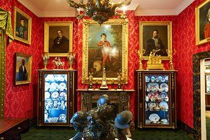 The David Roche Foundation House Museum in Adelaide, which features a collection of more than 3000 items. --- Ignoring all the art in the room, this is a lovely interior of its type.
