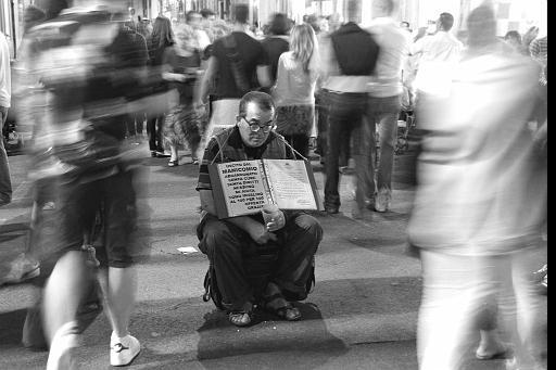Solitudine nella folla