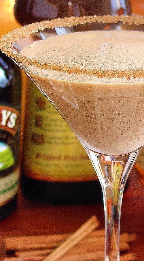 Pumpkin Pie Martini with Blanton's® Bourbon, BAILEYS® Irish Cream & Frangelico® Hazelnut Liqueur | holiday cocktail recipe