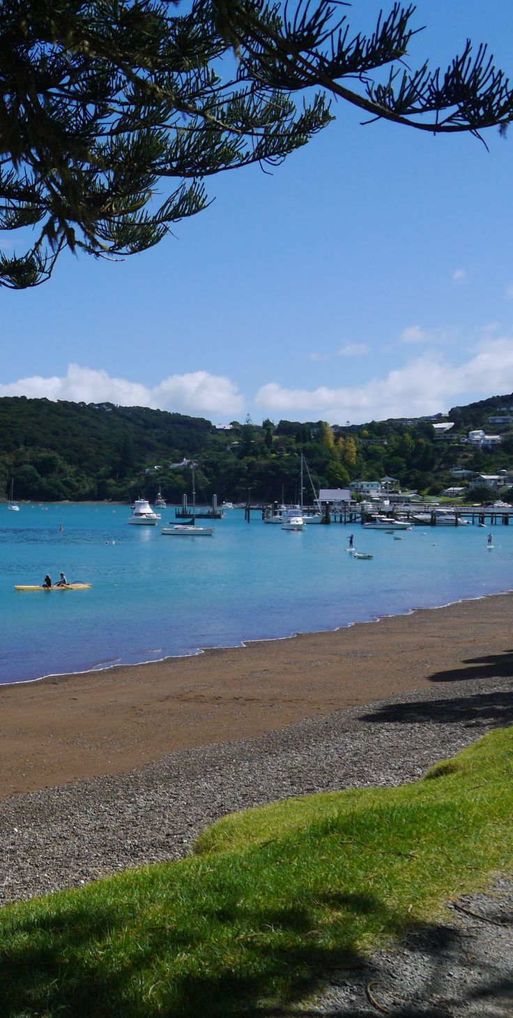 """Russell is the former capital of New Zealand and was the first European settlement place. Back in the 1800′s, it got a pretty bad rep for vagrants and prostitutes so was named the """"Hell hole of the Pacific"""". Today, that could not be further from the truth."""