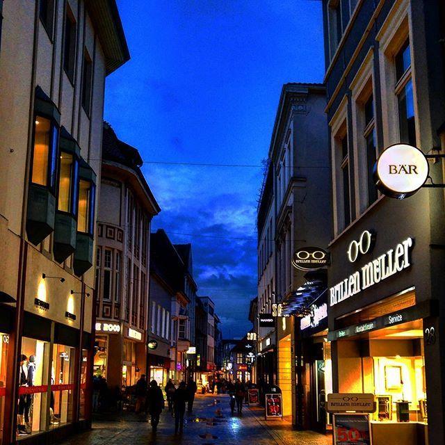 Einen schönen Abend aus Oldenburg #alex #dorit #nachmittag #oldenburg #kaffee #espresso #arbeitswoche #pause #lecker #essen #bummeln #greenape #makesyourlifebetter #nord #niedersachsen