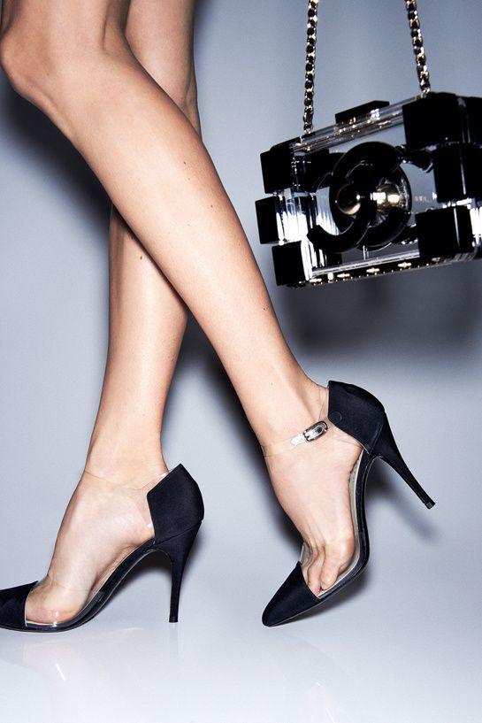 des escarpins translucides, Chanel