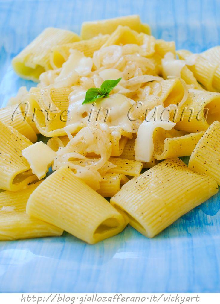 Pasta con crema di cipolle e formaggio ricetta veloce vickyart arte in cucina