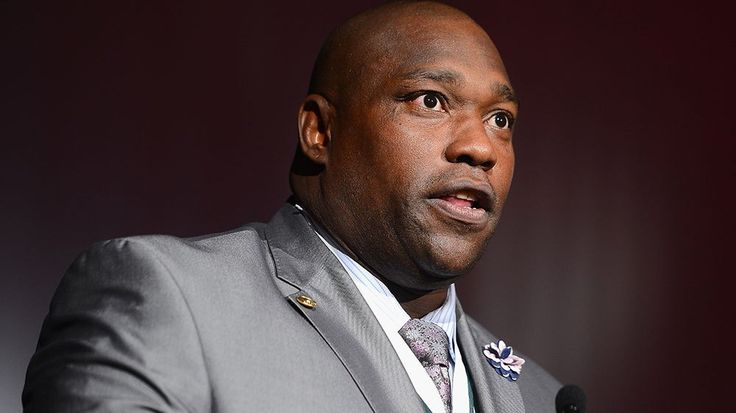 Warren Sapp, a Hall of Fame defensive lineman and commentator for the NFL Network, has been suspended from the sports network after he allegedly solicited a prostitute and was arrested Monday morni...