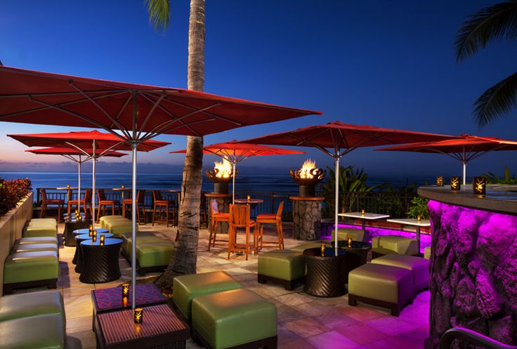 Sheraton Waikiki Hotel - Rumfire lower patio