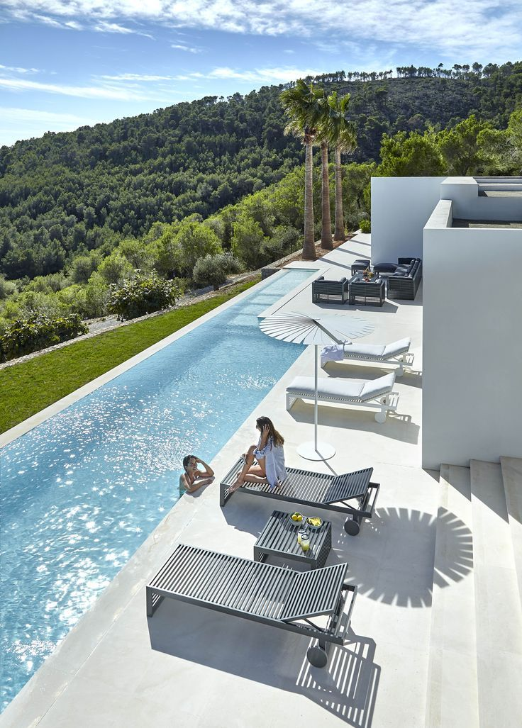 Gandia Blasco Dna Collection Sonnenliege Blasco Collection Gandia Sonnenliege Outdoor Pool Swimming Pool Designs Pool Houses