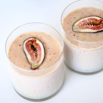 Almond and fig shake - Vata calming
