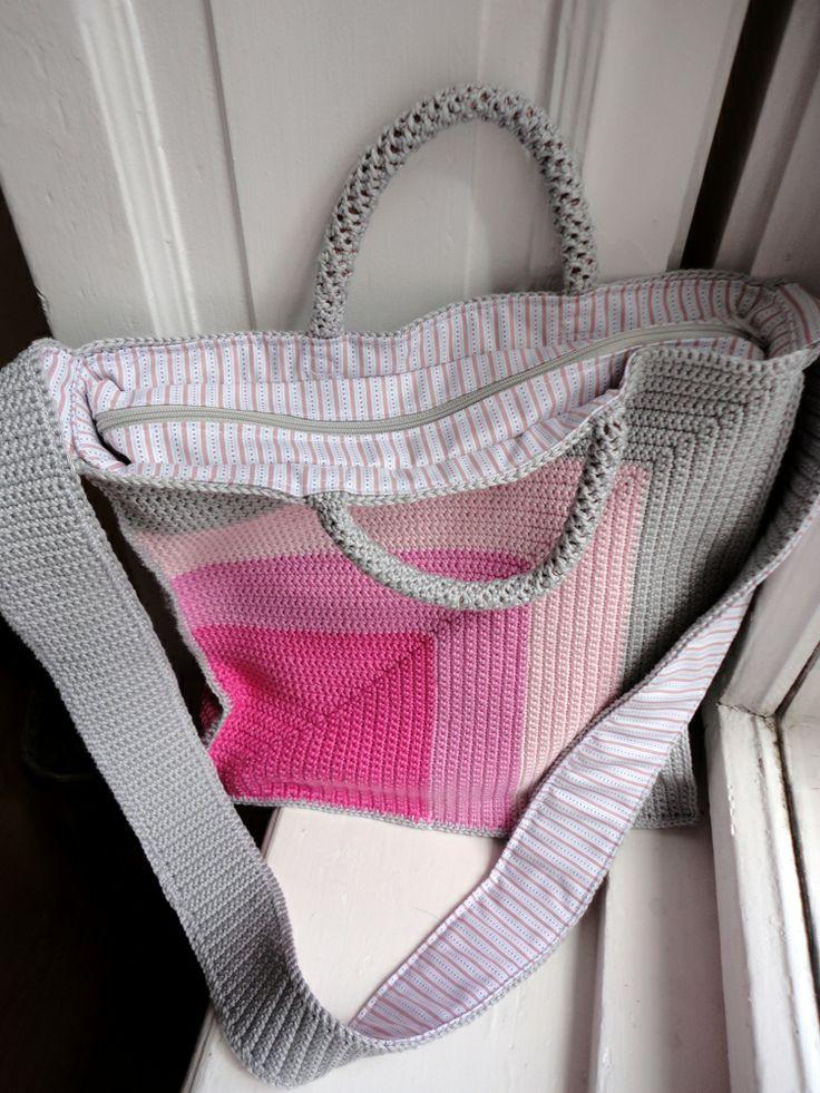 mom's pink swing bag
