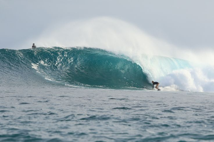 One needs nerves of steel to grow up surfing in icy Ireland.   We caught up with one of the Emerald Isle's surfing stars and Billabong Womens Team Rider, Grace Doyle Surfer to quiz her on all things related to being a pro lady-slider: