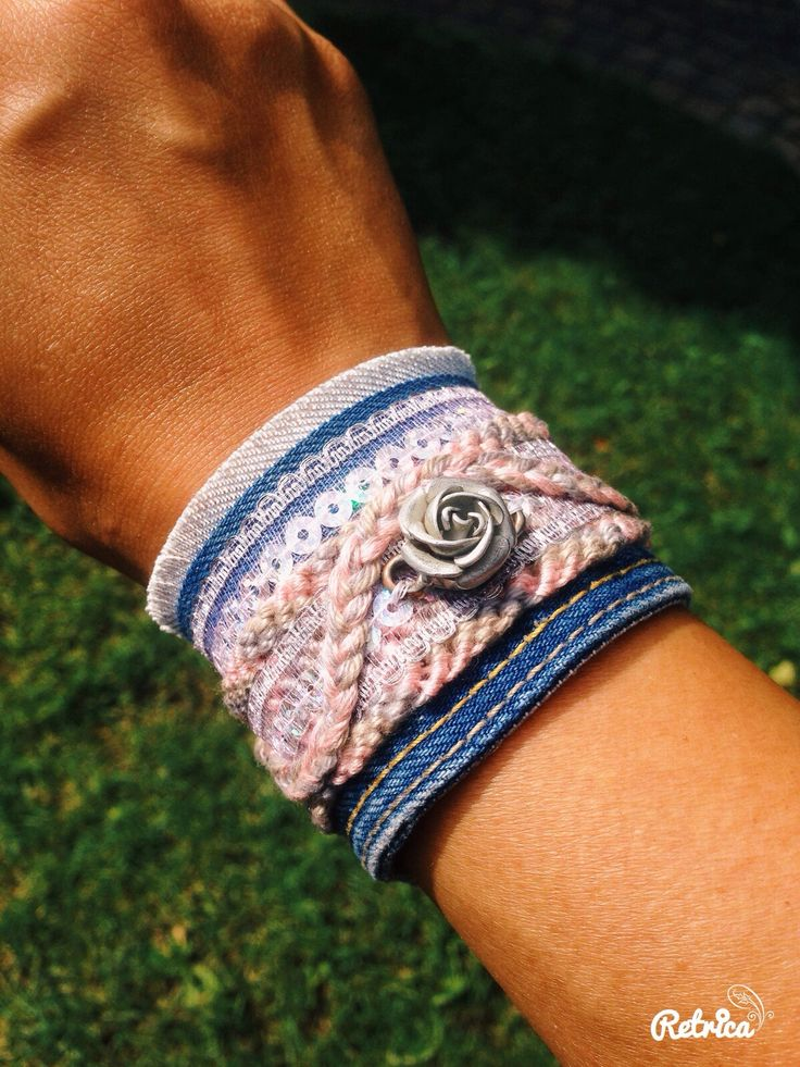 Jeans & friendship bracelet