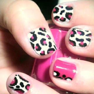 Animal nailsPink Cheetah, Cheetahs Nails, Print Nails, Black And White, Cheetah Nails, Nails Ideas, Nails Polish, Pink Leopard, Prints Nails