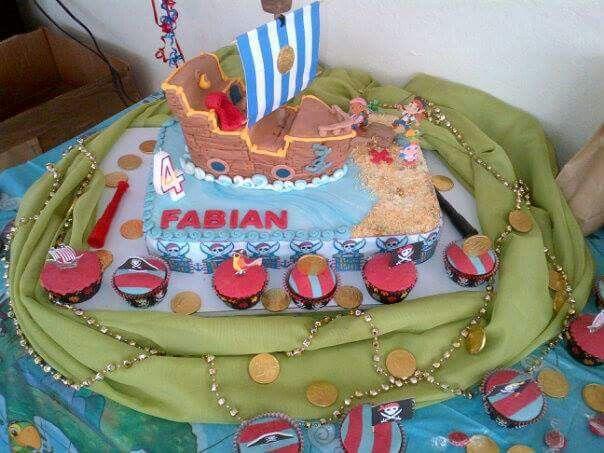 Torta esculpida, jacke y los piratas de nunca jamás. Jackes and the neverland cake.