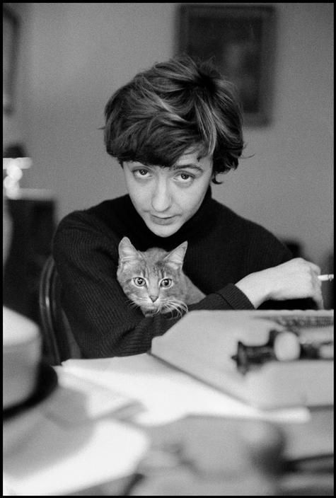 Françoise Sagan et son chat 1958 - photo Burt Glinn
