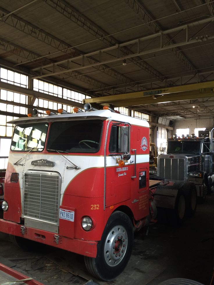 Best Used Diesel Truck >> Old White/Frieghtliner cabover, still used locally in Ohio | Just big Trucks | Pinterest | Ohio