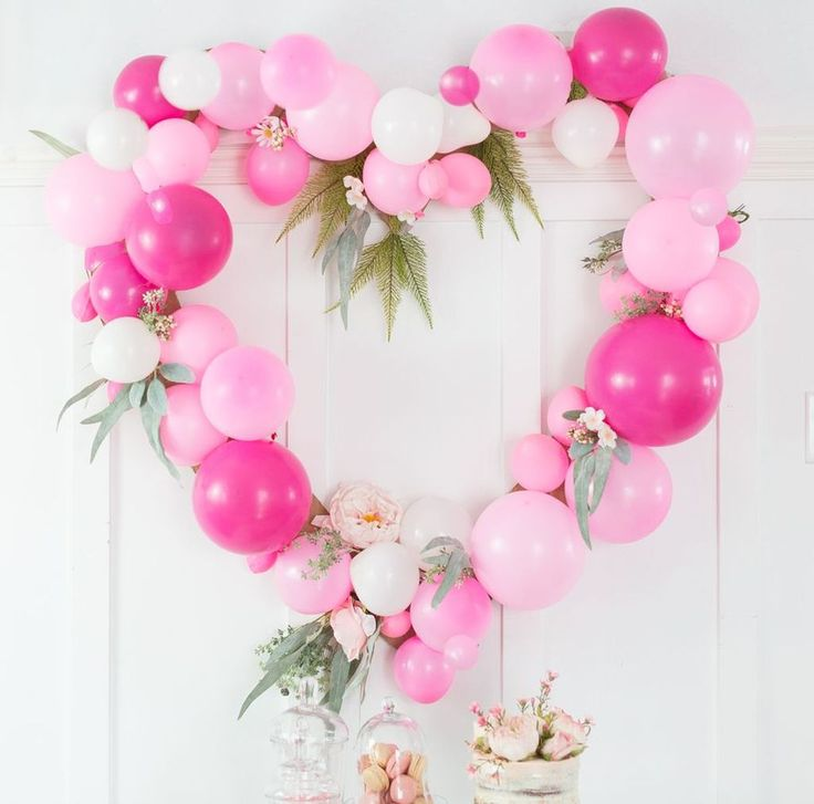 7f691112b3589aa2210eb884675ad1d0 - Awesome 44 Adorable Valentines Day Decoration Ideas Using Balloon. More at daily...
