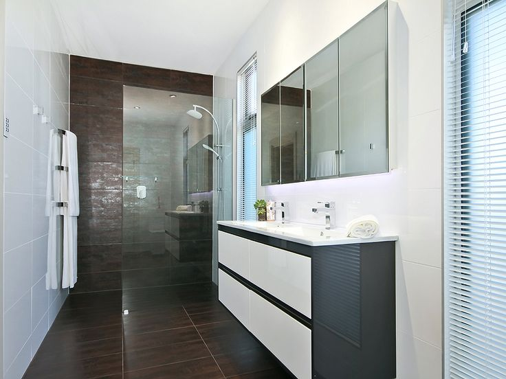 #Modern #Bathroom. #Home in O'Sullivan Beach. Professionals Christies Beach real estate agency. 08 8382 3773.