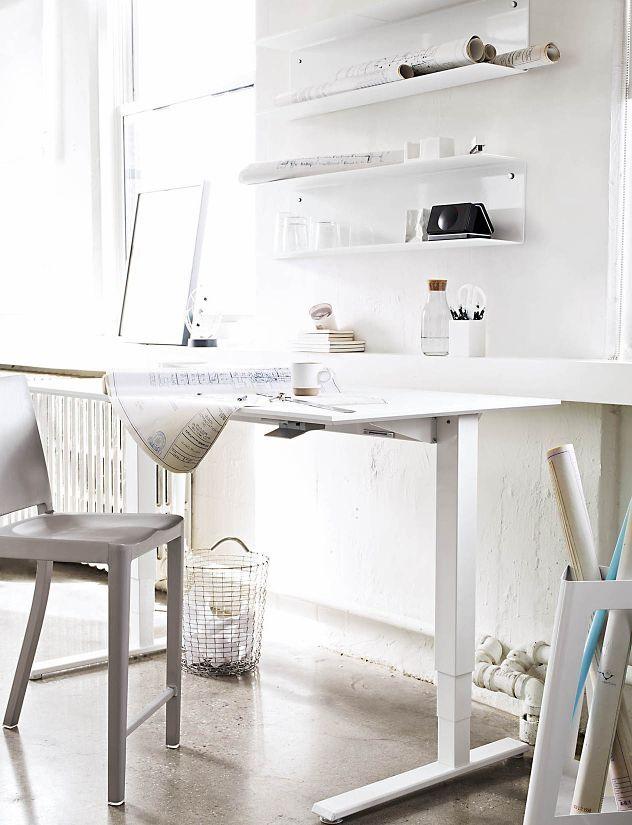 Adjustable height table  Vipp Shelf