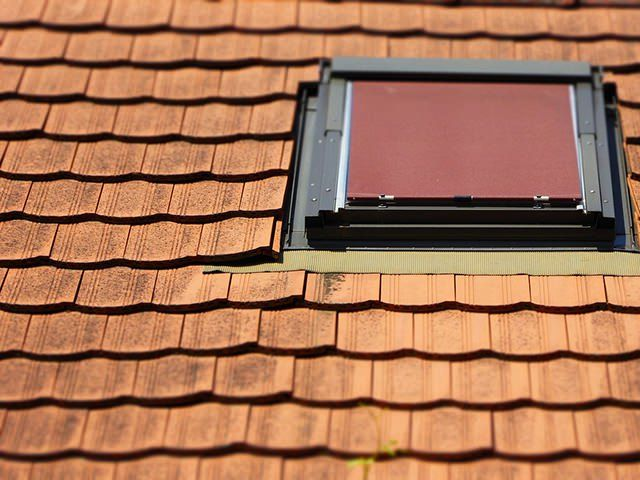 Roof leakage is a serious matter as they can damage your roof and other parts of your home. When your roof ages, it becomes important to look for signs of leaks, so that you can prevent the problems before they arise.