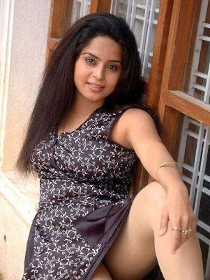 Malayalam Kambi kathakal : Ente chechi kochupusthakam | Things to Wear ...