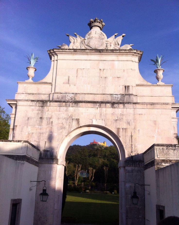 Palácio da Pena (visto do miradouro do Palácio de Seteais)