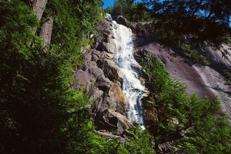 Shannon Falls (335 m) — Squamish, BC