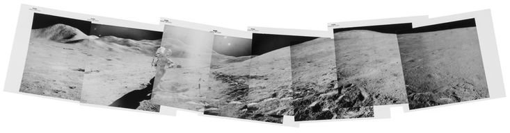 James Irwin, vista panorámica de David Scott fotografiando un hallazgo geológico en Hadley Delta, EVA 2, Apollo 15, agosto de 1971