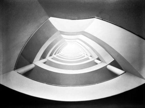 Seidner Zoltan: Bérház, lépcsőház nézete a földszintről, Budapest V., Szalay utca 5/a. / 1937-38 Építész: Rumszauer György