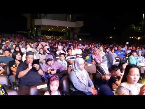 DADDY/DAUGHTER DANCE TO JOGET DANGDUT at Brunei