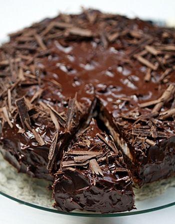 Dark Chocolate Raspberry Cream Cake