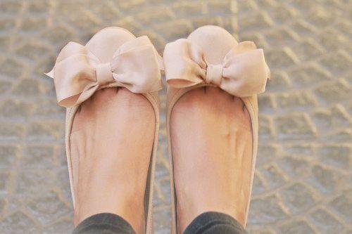 bow: Bows Flats, Bow Flats, Fashion, Style, Cute Flats, Pink Bows, Ballet Flats, Big Bows, Bows Shoes