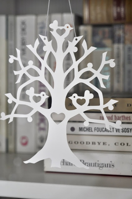 What a lovely cut-out tree