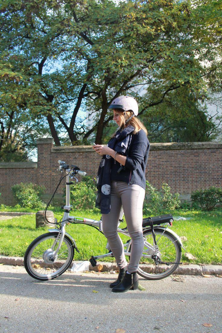 Look trendy citadin by Holland Bikes: Vélo pliant électrique Beixo & casque Sawako à paillette; en vente sur notre site Hollandbikes.com