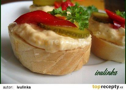Holandská pomazánka recept (tvaroh,jogurt,máslo,tvrdý sýr,cibule,sojovka)