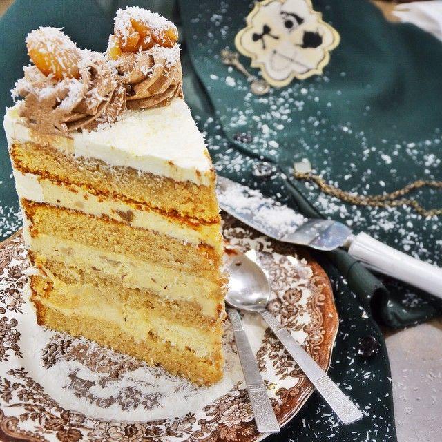 Ice Castle!!! Ενα αφράτο κέικ βανίλιας παντρεμένο με κομμάτια λευκής σοκολάτας, κρέμα τυρί και κάστανο!